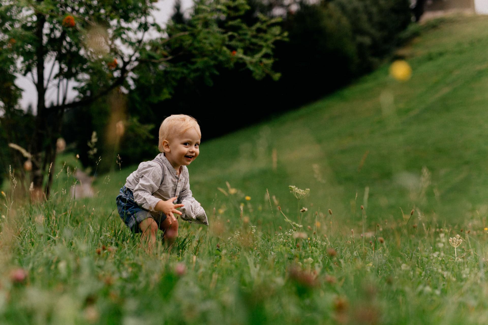 family photographer stuttgart-kindergarten kids-candid family portrait-family journal germany-austria photographer family
