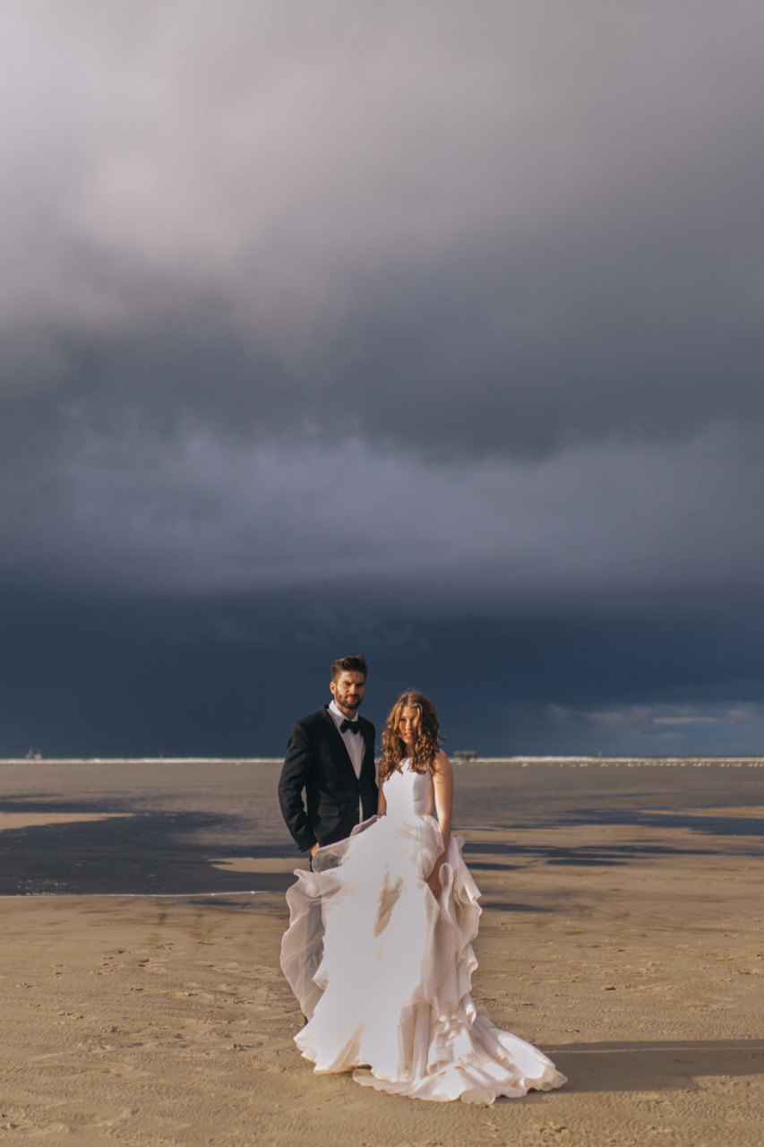 elopement photographer germany--elopement europe beach