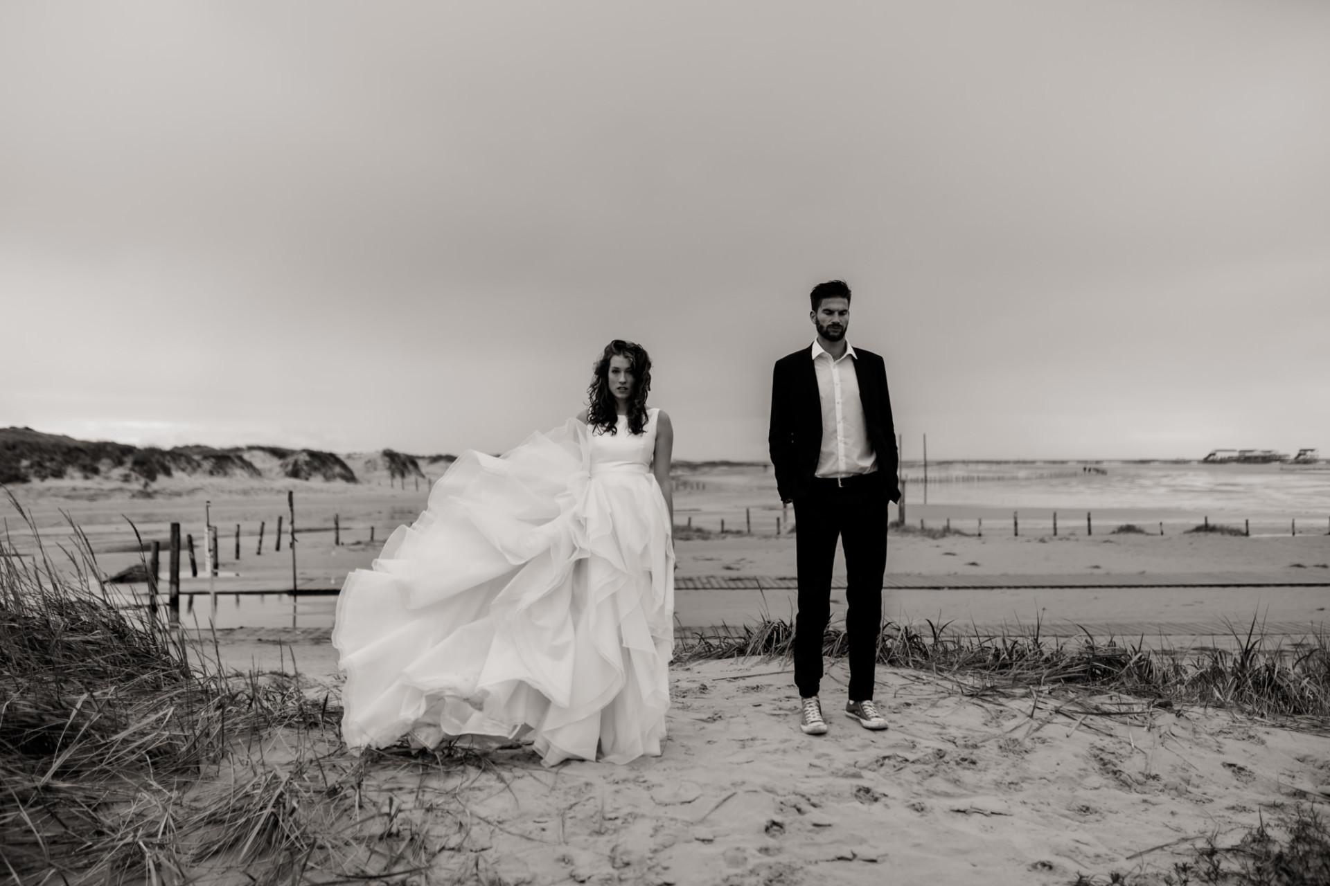 beach motel spot wedding-elopement northern germany-elfenkleid dress
