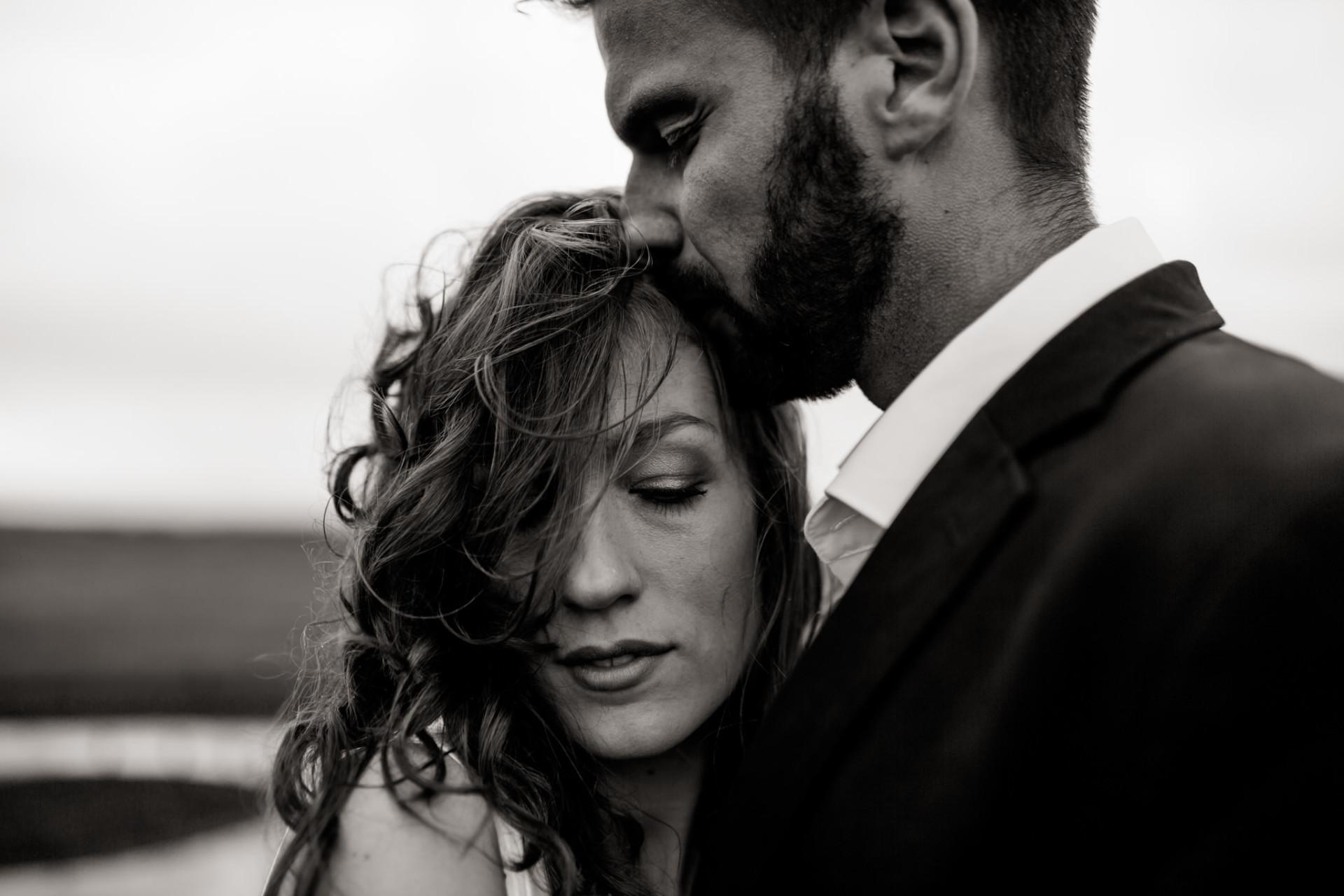 wedding portrait bw-beach elopement-elopement germany