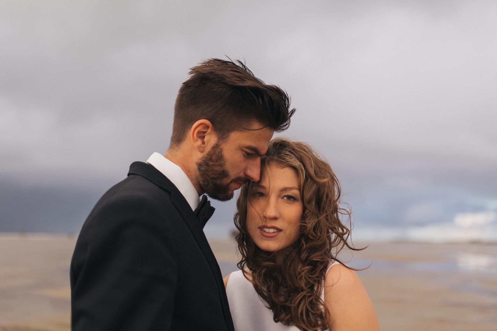 wedding portrait at the beach-elfenkleid bride