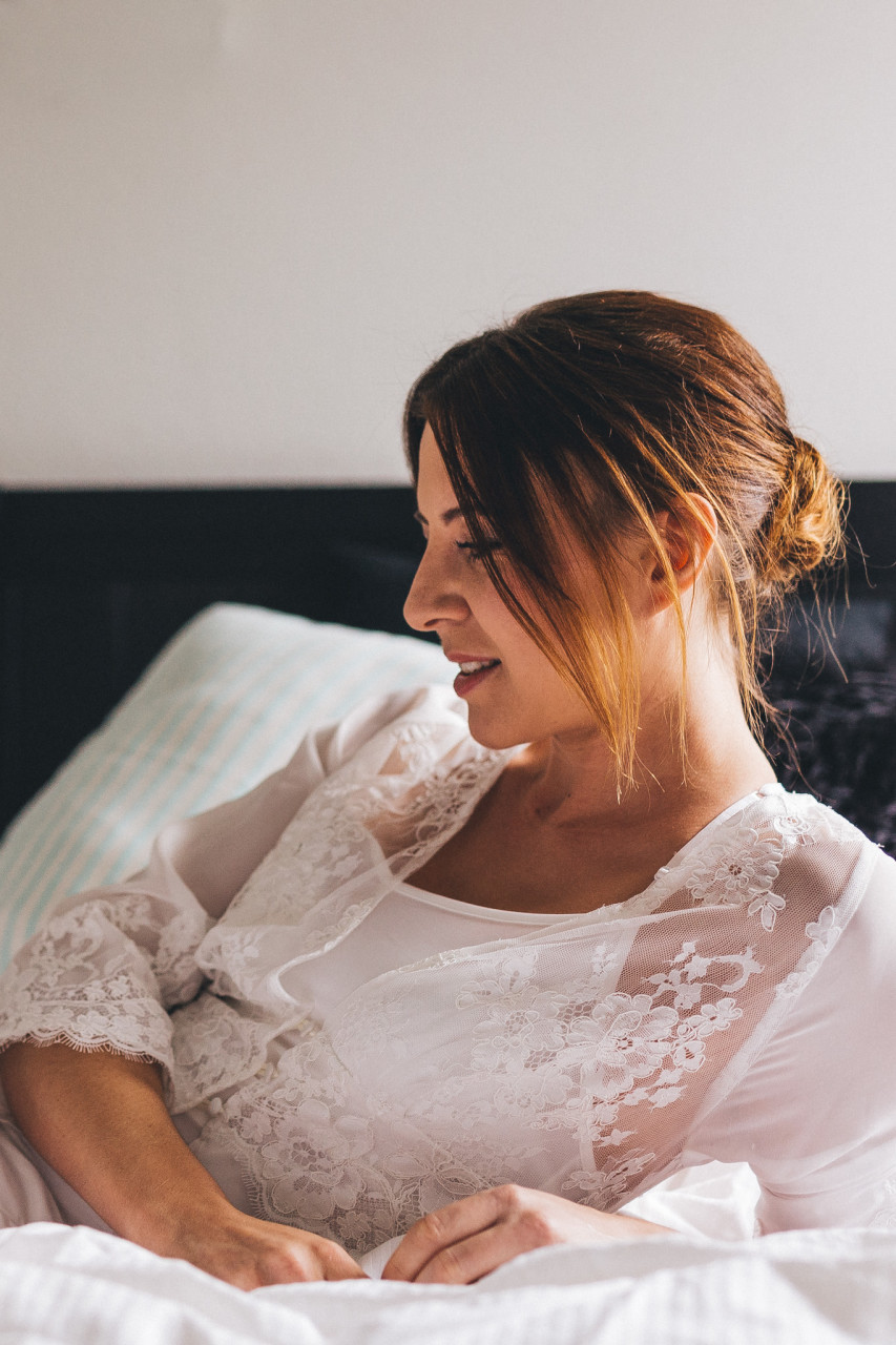 Bridal Boudoir Session at Home - Maria Luise Bauer Photography