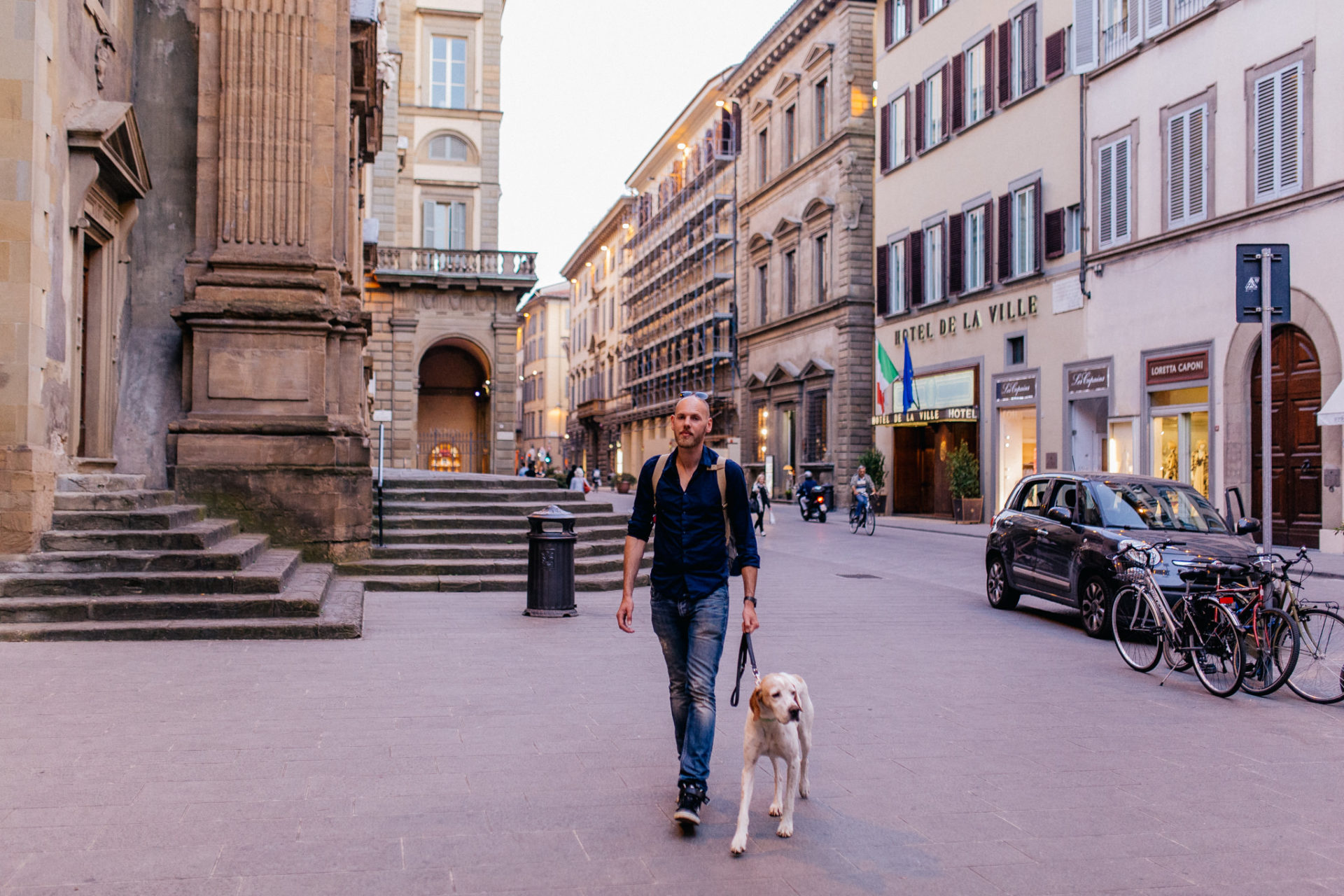 wedding photographer tuscany-italy road trip with dog-explore florence by foot