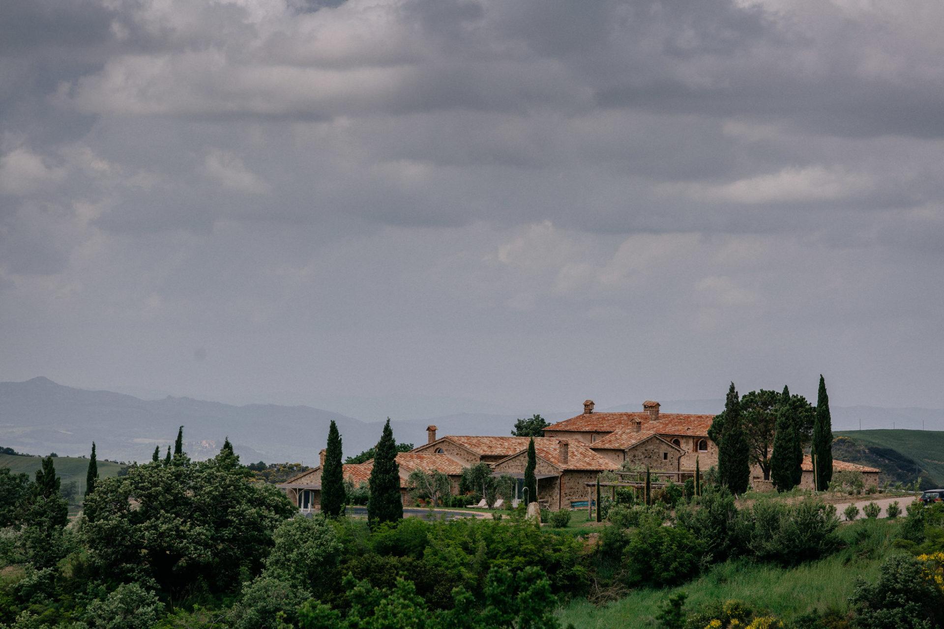wedding photographer tuscany-italy road trip with dog-boutique hotel-exclusive romantic gateway-grosseto region-dimora santa margherita