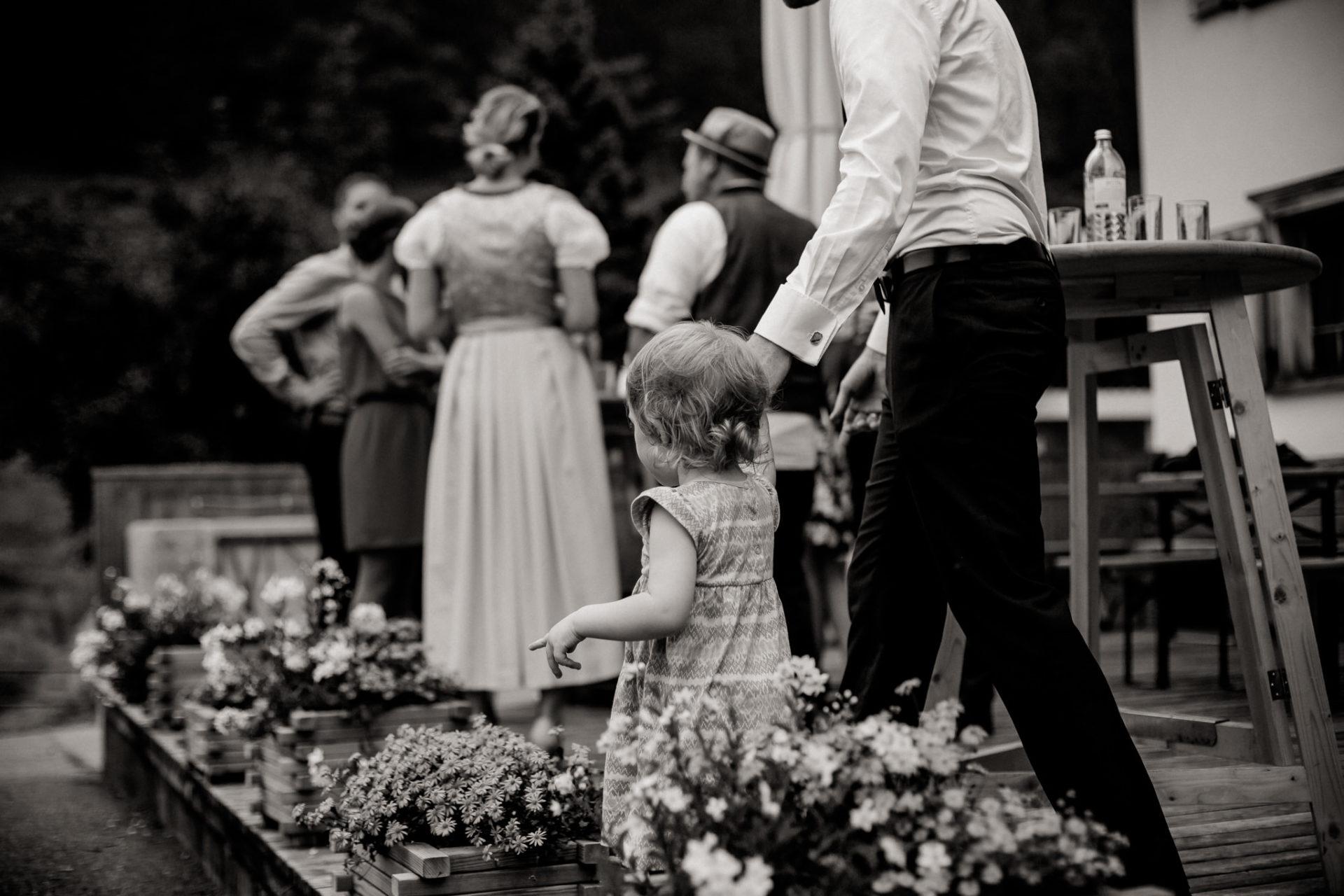 wedding photographer Lech Arlberg-mountainwedding-reception