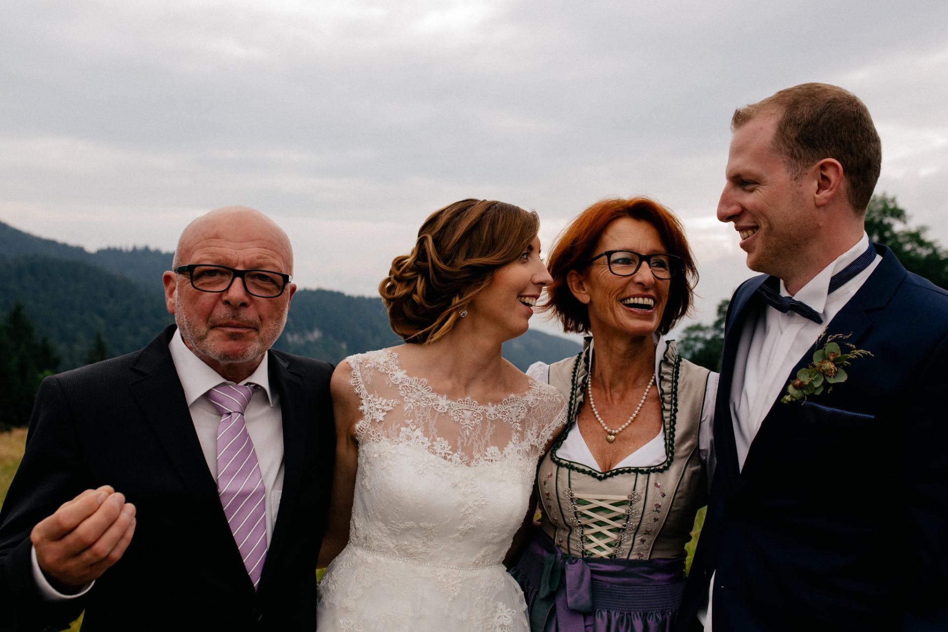 wedding photographer Lech Arlberg-mountainwedding-family photos
