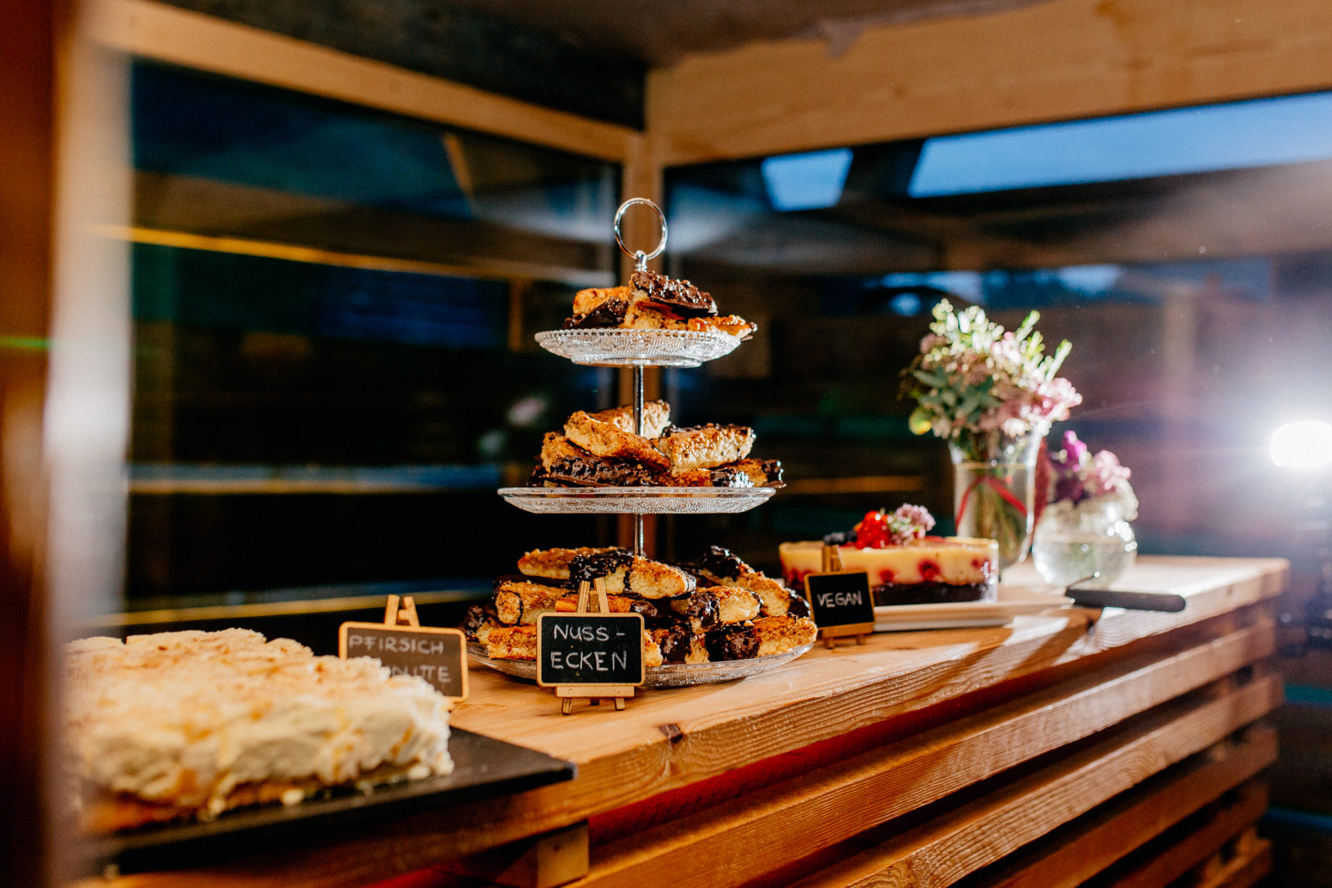wedding photographer Lech Arlberg-mountainwedding-candy bar