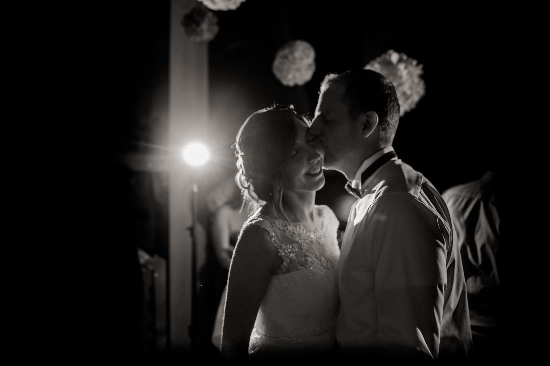 wedding photographer Lech Arlberg-mountainwedding-first dance