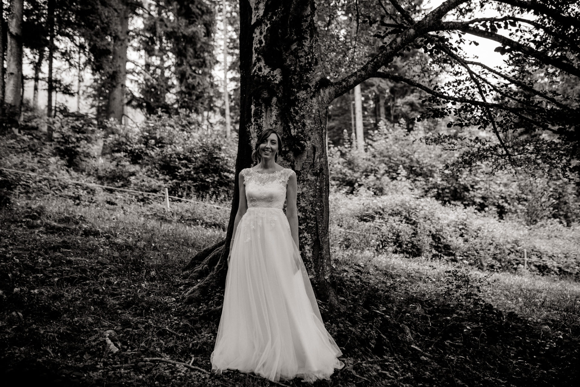 wedding photographer Lech Ahlberg-mountain wedding- bride portraits unposed