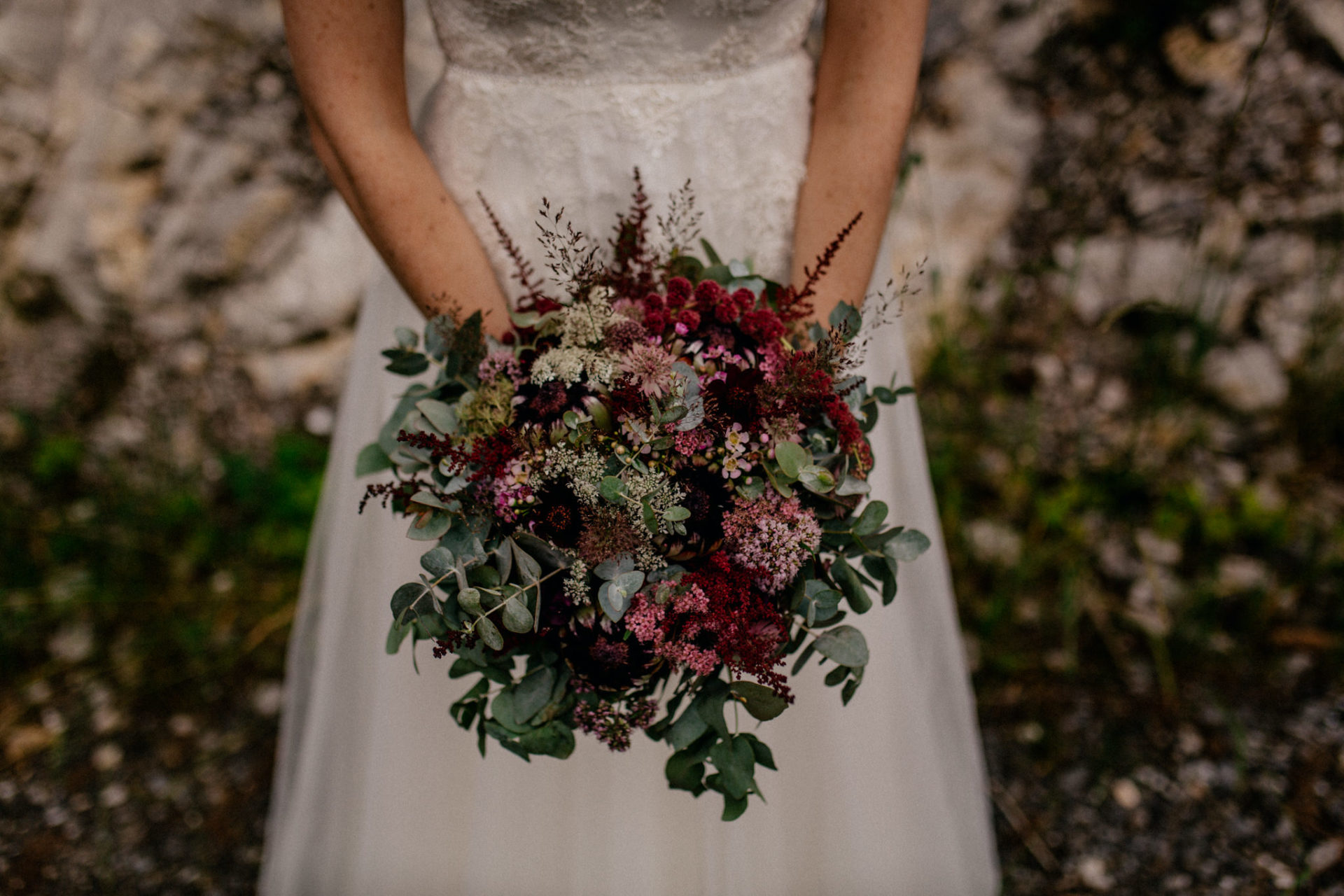wedding photographer Lech Ahlberg-mountain wedding- bridal bouquet eukalypt protea