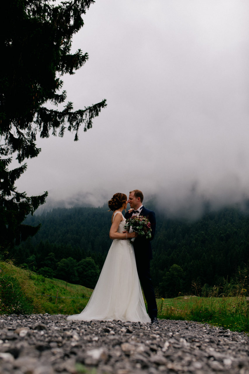 wedding photographer Lech Ahlberg-mountain wedding- bride groom portraits unposed