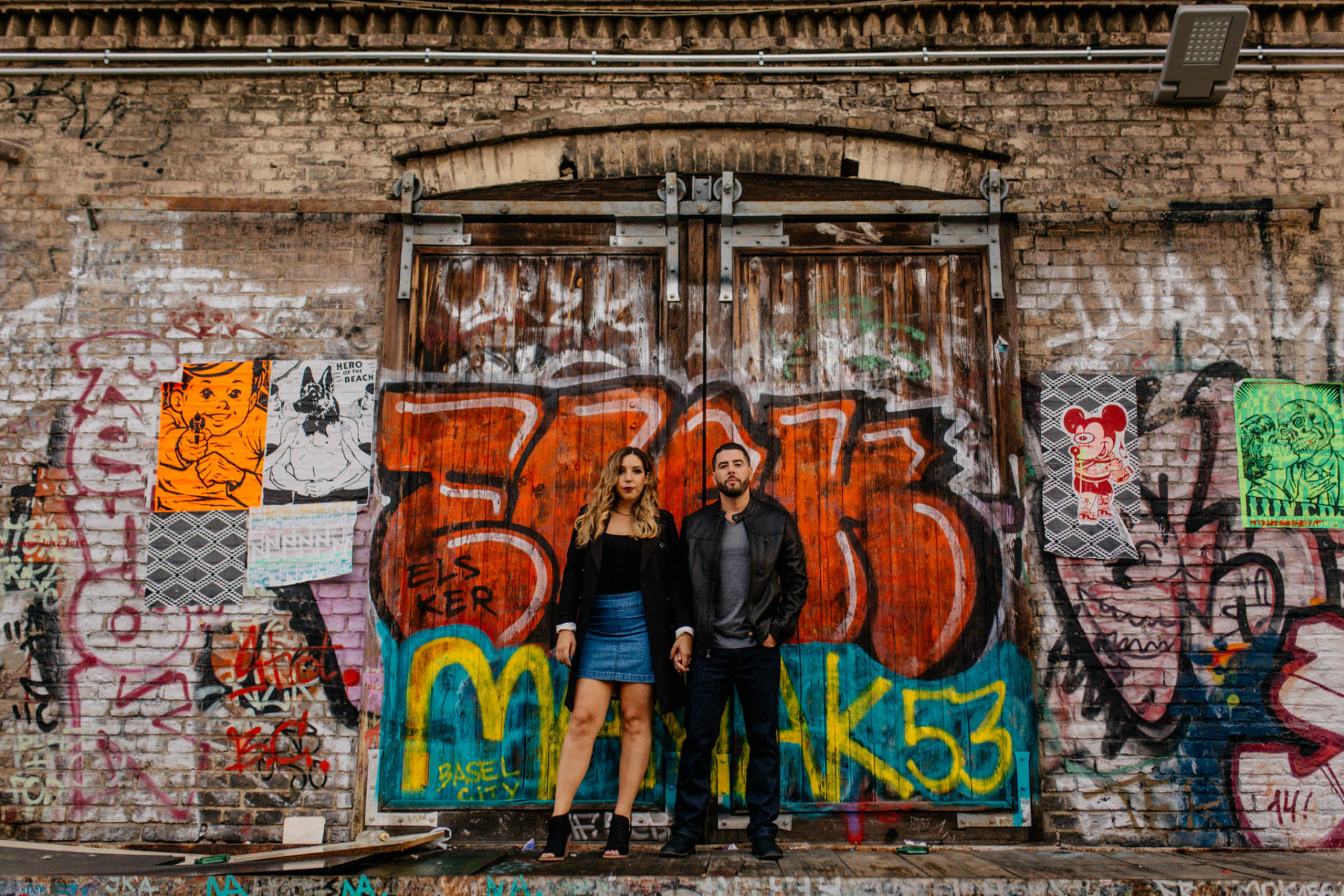 engagement photos berlin-couple portrait friedrichshain-wedding photographer berlin