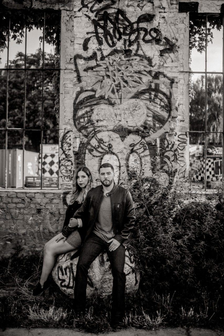 engagement photos berlin-wedding photographer berlin friedrichshain-couple portrait black and white