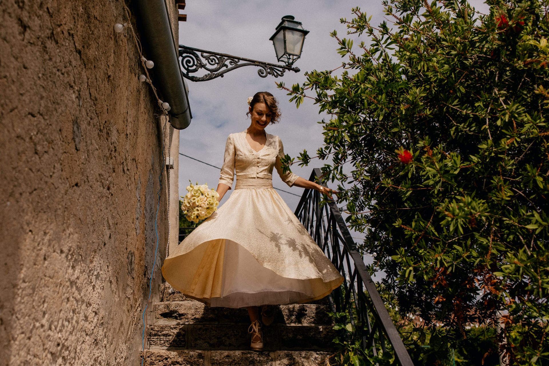 wedding photographer amalfi coast-italy wedding Paestum-brideal gown fifties