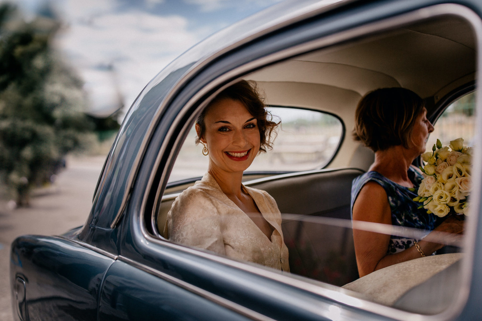 wedding photographer amalfi coast-italy wedding Paestum ceremony-bride arriving by car