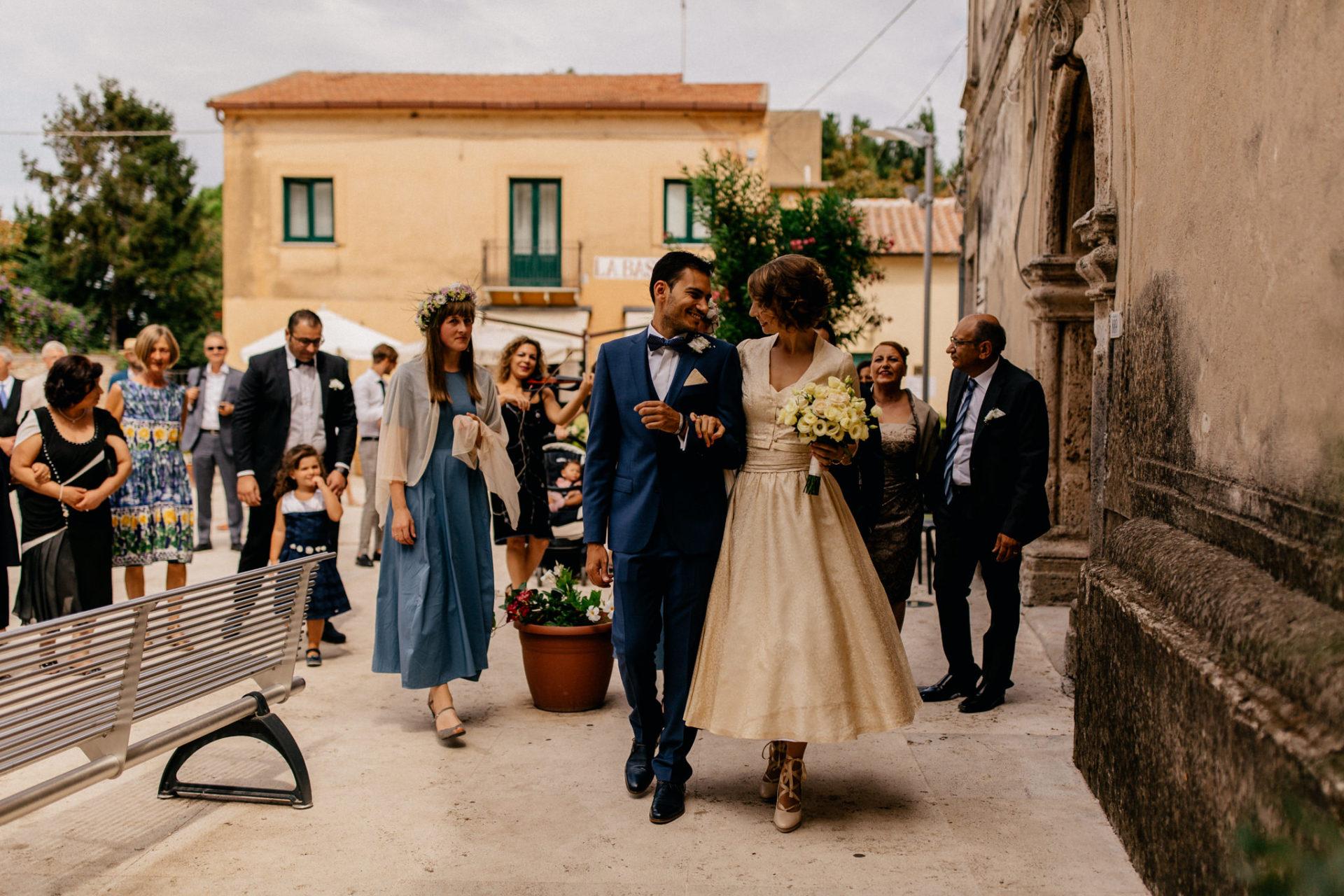 wedding photographer amalfi coast-italy wedding Paestum ceremony