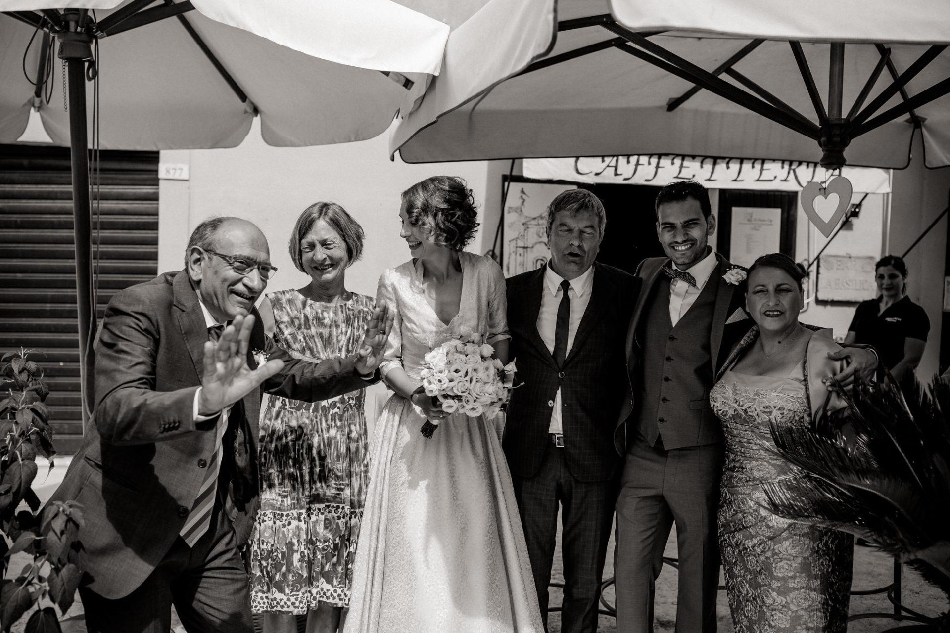 wedding photographer amalfi coast-italy wedding Paestum-family portrait