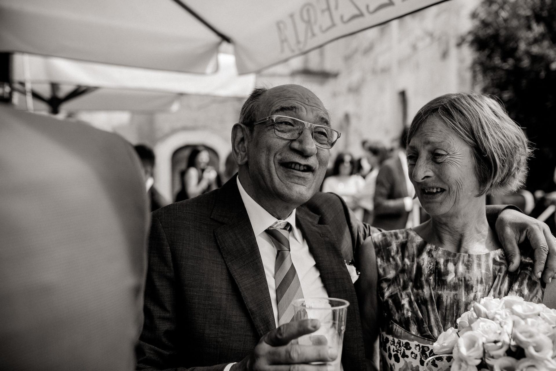 wedding photographer amalfi coast-italy wedding Paestum-reception drinks