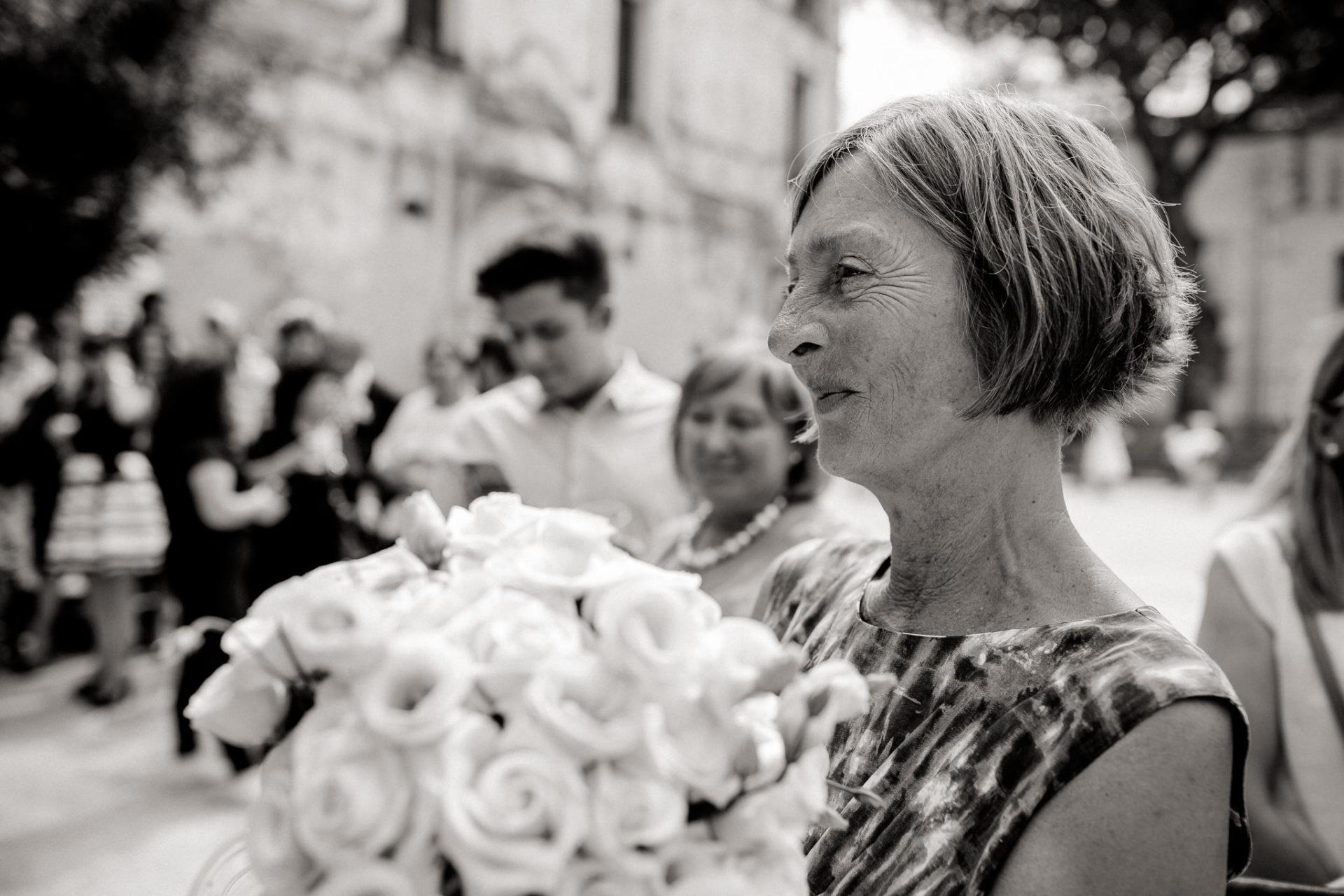wedding photographer amalfi coast-italy wedding Paestum-bride's mother proud