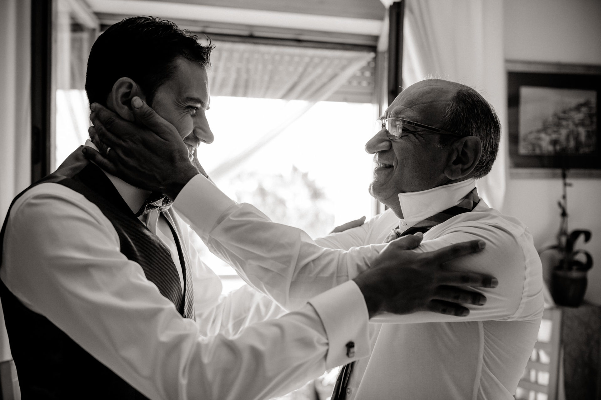 wedding photographer amalfi coast-italy wedding Paestnum-Groom and father