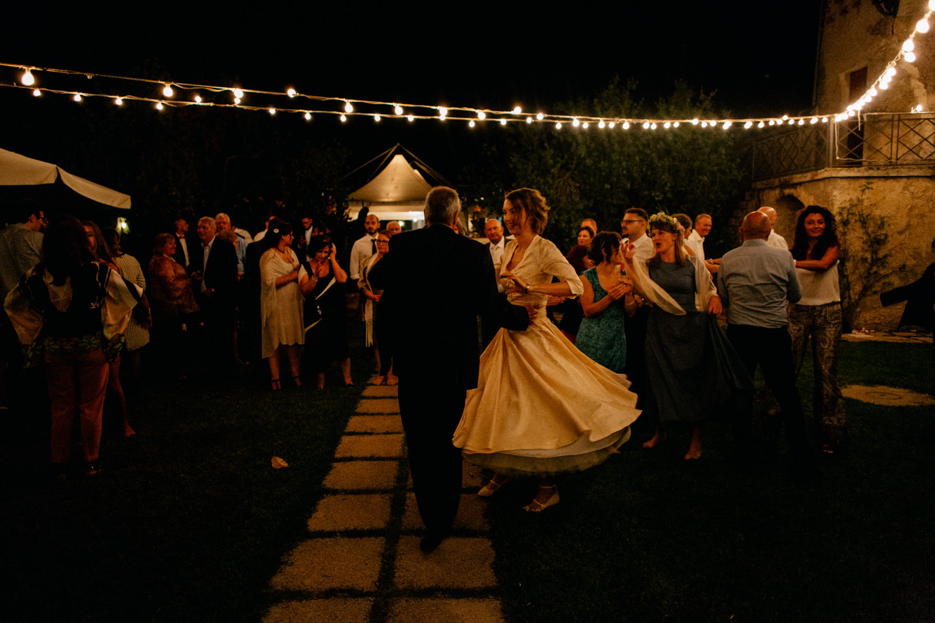 wedding photographer amalfi coast-italy wedding-agriturismo seliano-party dance
