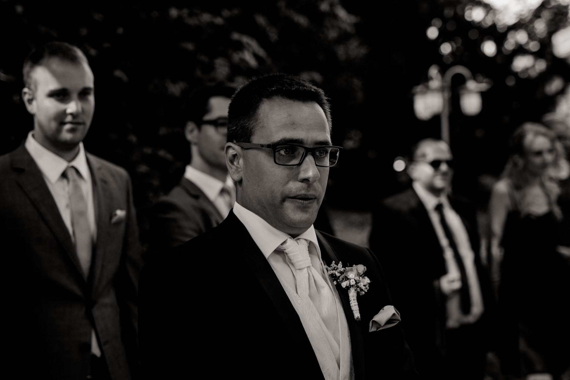 stuttgart wedding photographer-Castle Wedding Germany-Blackforest marriage-schloss heinsheim groom waiting