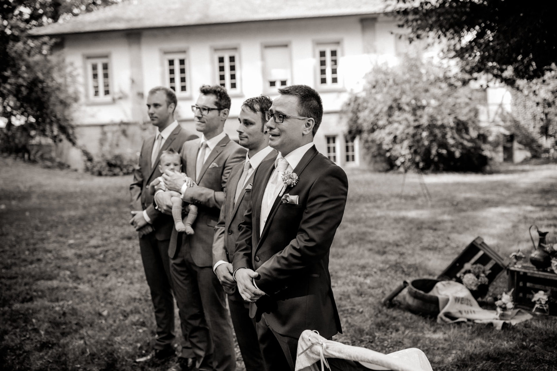 stuttgart wedding photographer-Castle Wedding Germany-Blackforest marriage-schloss heinsheim groomsmen and baby