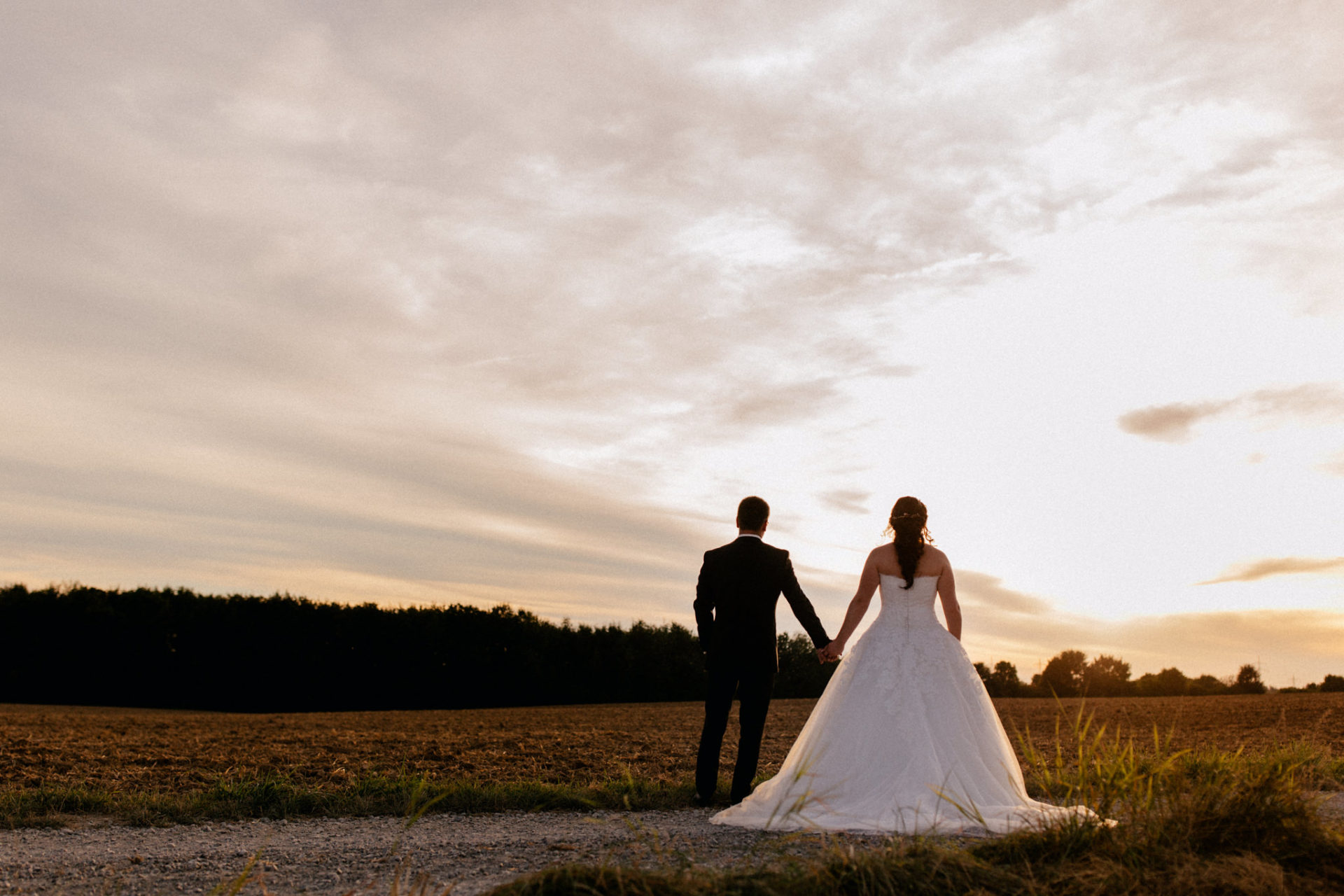 stuttgart wedding photographer-Castle Wedding Germany-Blackforest marriage-schloss heinsheim bride and groom sunset