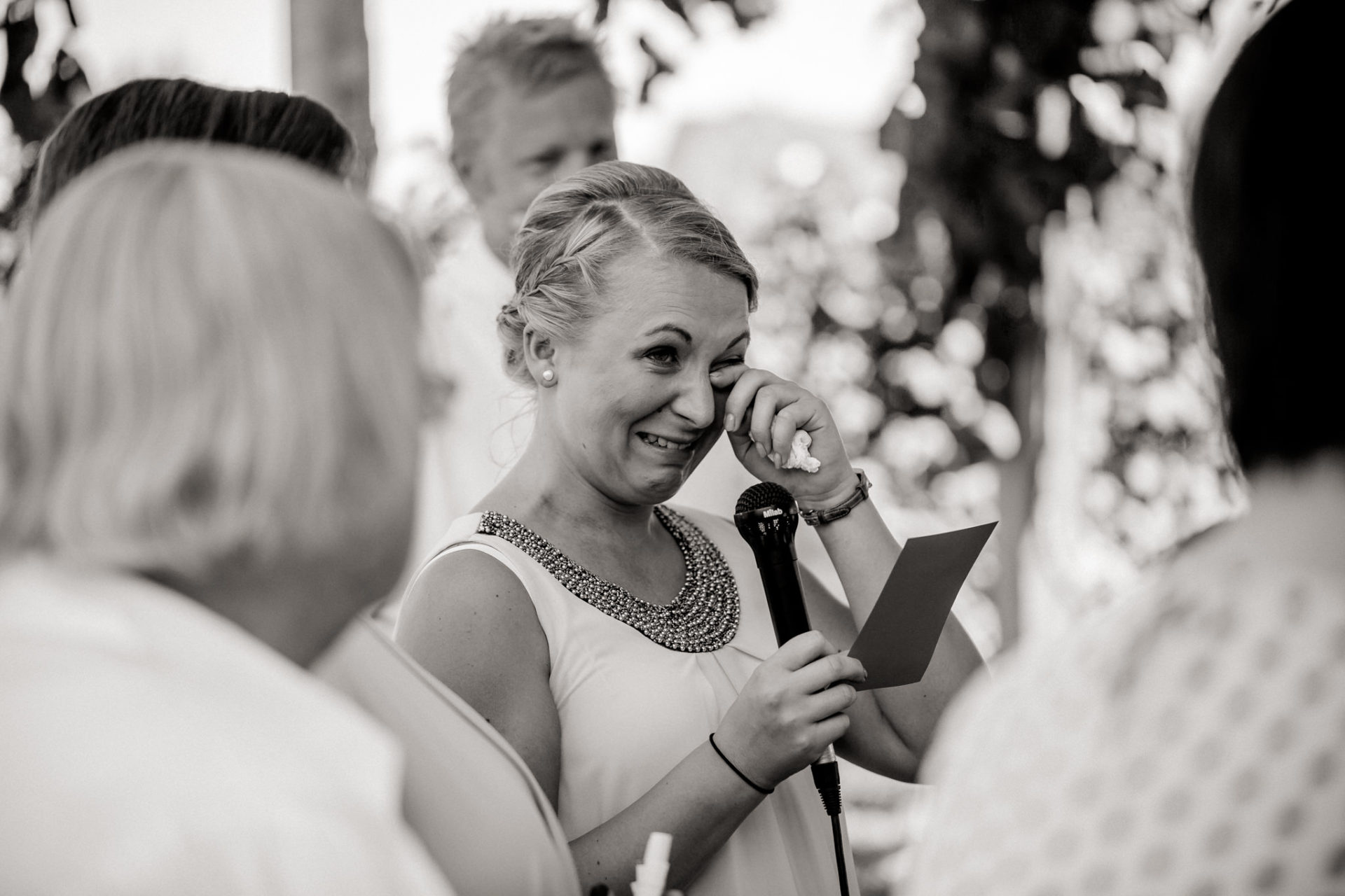 vineyard wedding germany-weingut fitz ritter wedding photographer pfalz bridesmaid speeches