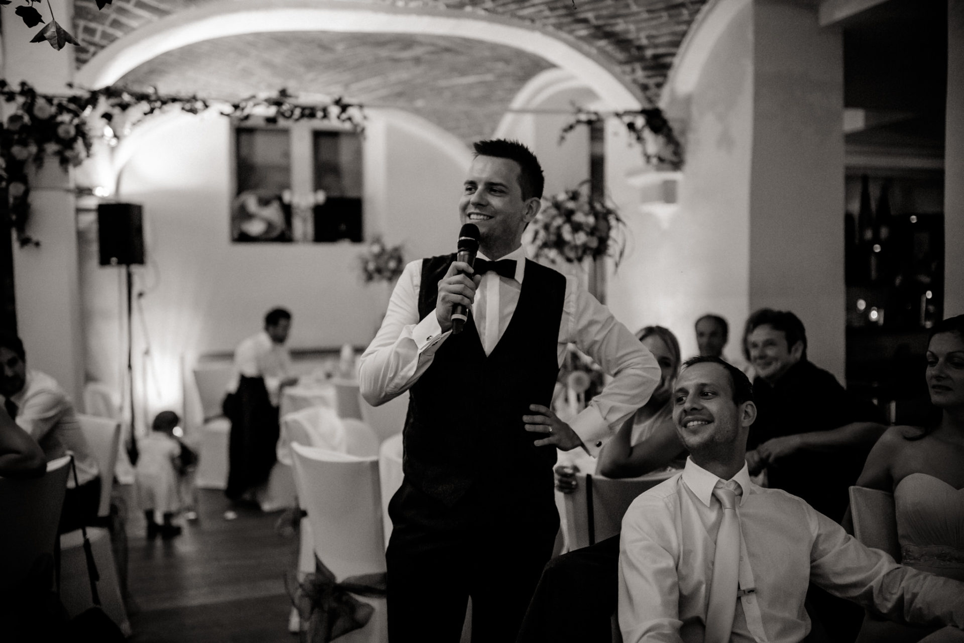 vineyard wedding germany-weingut fitz ritter wedding photographer pfalz groom dinner speech
