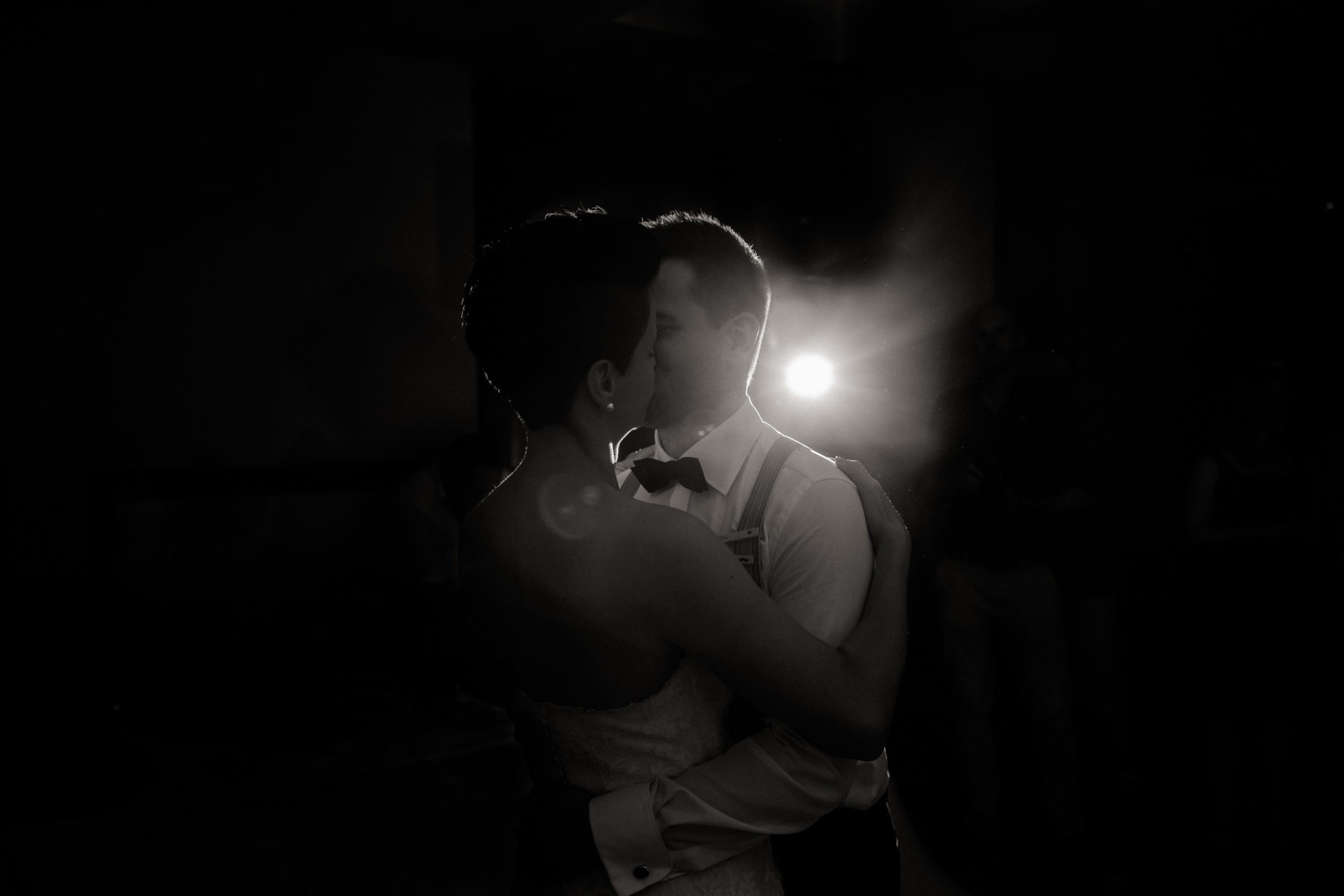 vineyard wedding germany-weingut fitz ritter wedding photographer pfalz dancing close dance