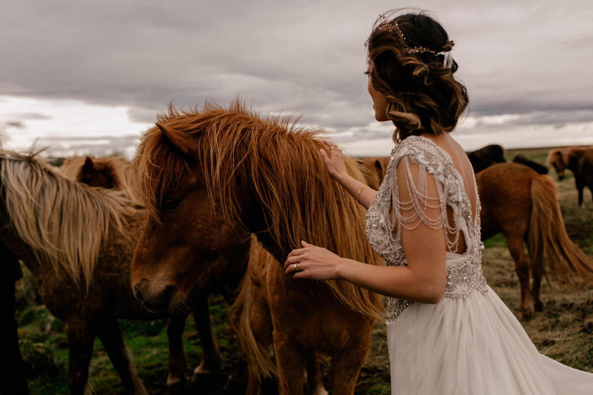 iceland wedding photographer-bridal portrait icelandic horses