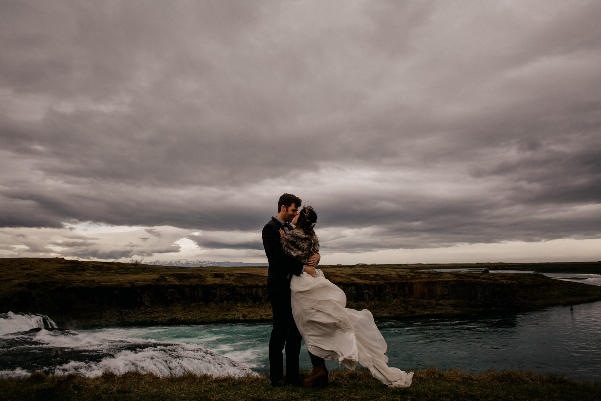 iceland wedding photographer-bridal portrait waterfalls