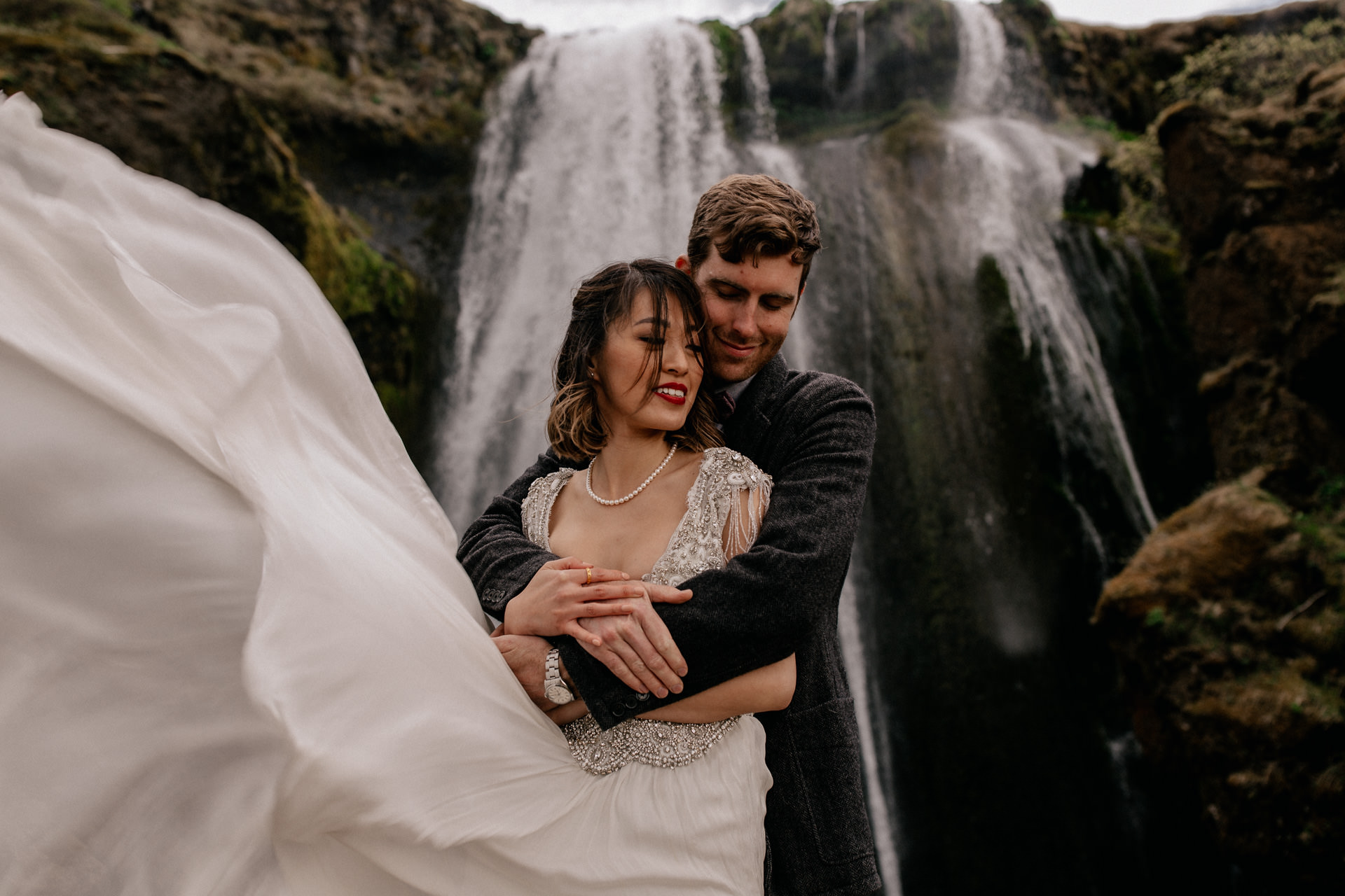 iceland wedding photographer-wedding photos waterfall