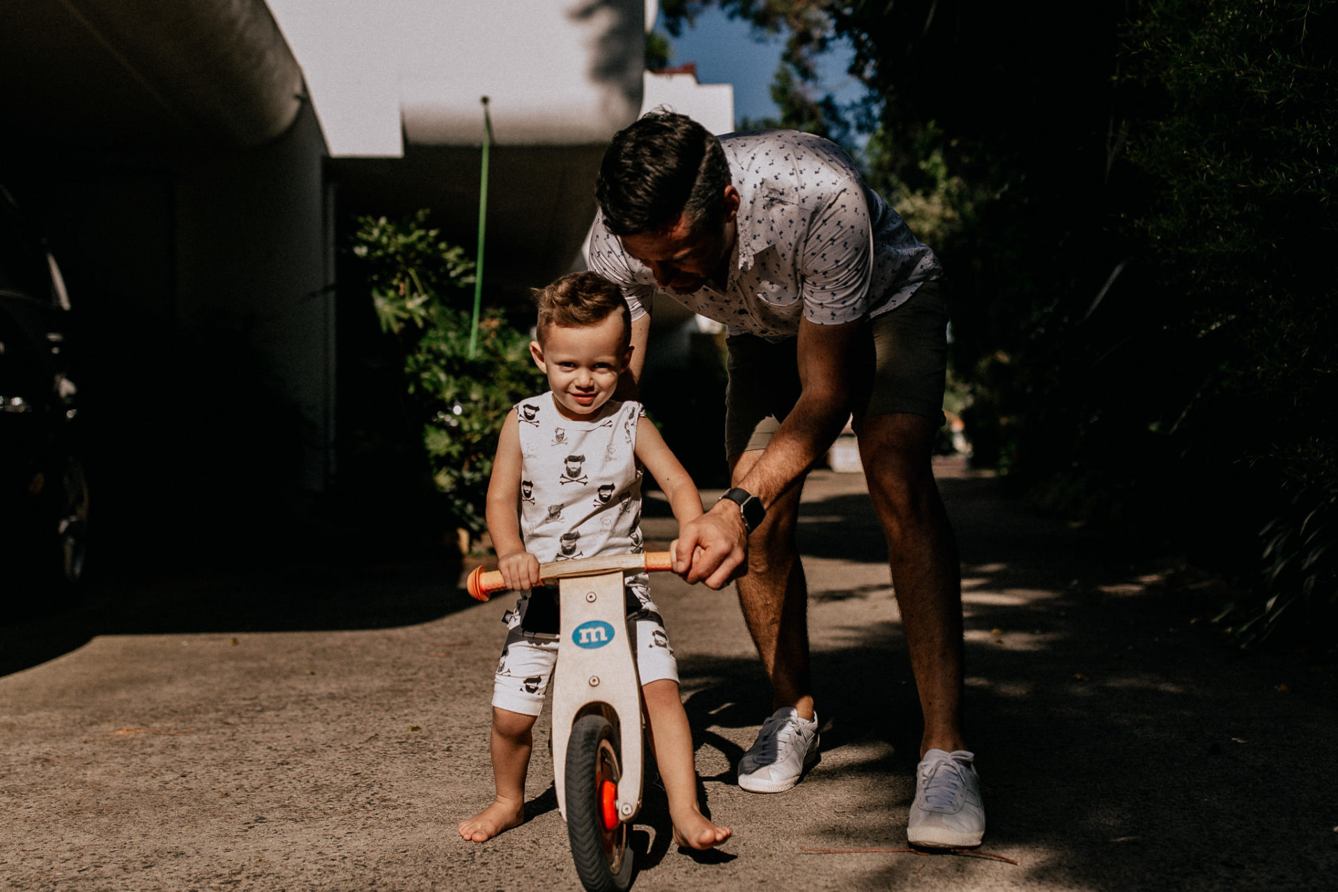 Sydney family photographer-homestory with kids-quirky documentary unposed wedding photography-melbourne family photography-candid moments-hip kids apparel