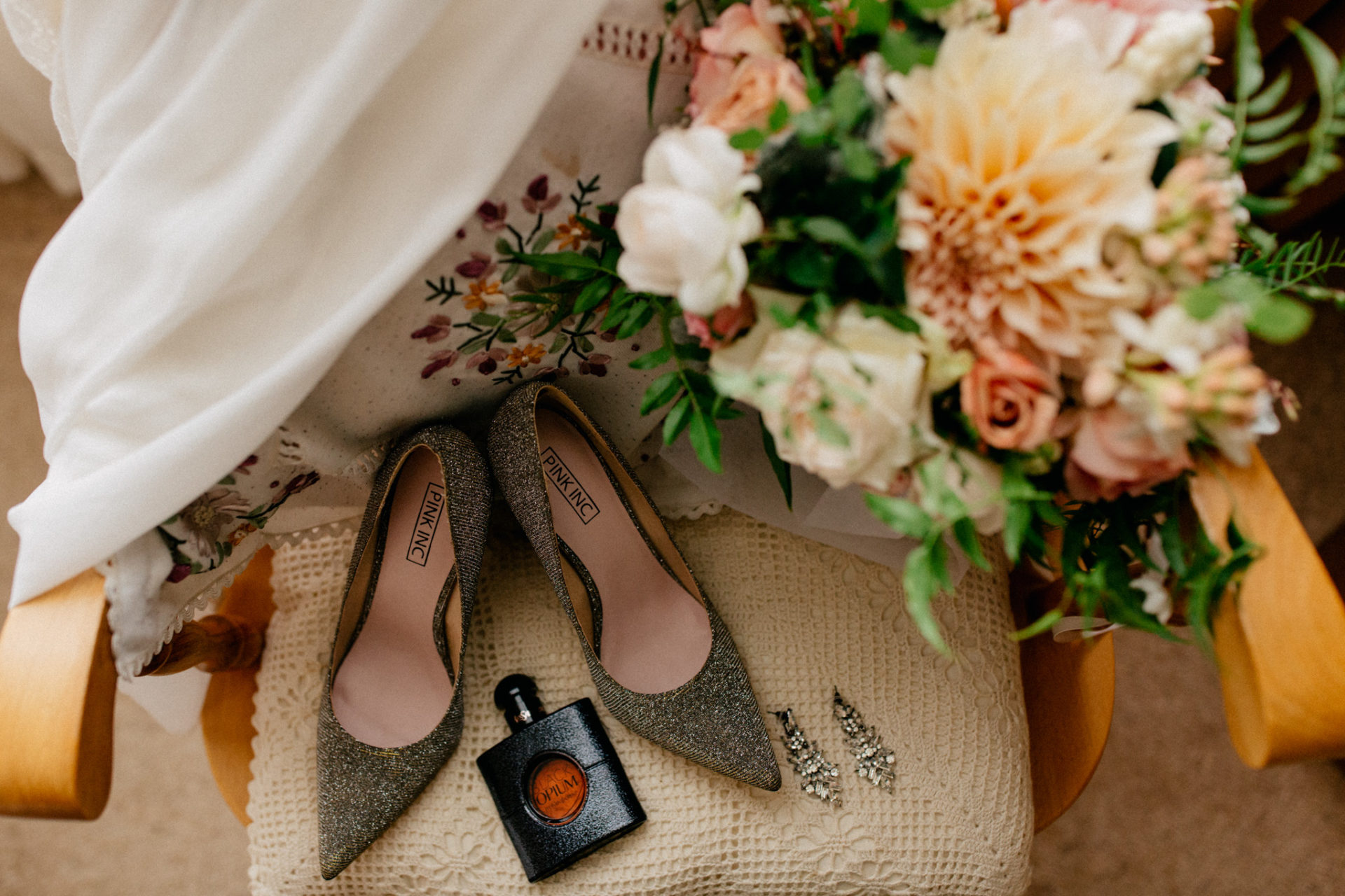 Melbourne Wedding Photographer-Queenscliff DIY garden wedding-bride details