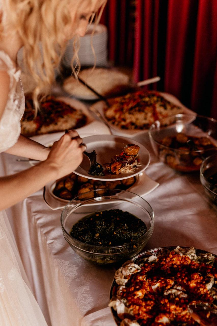 wedding photographer suttgart-reception water castle Erkenbrechtshausen Crailsheim-afghan buffet