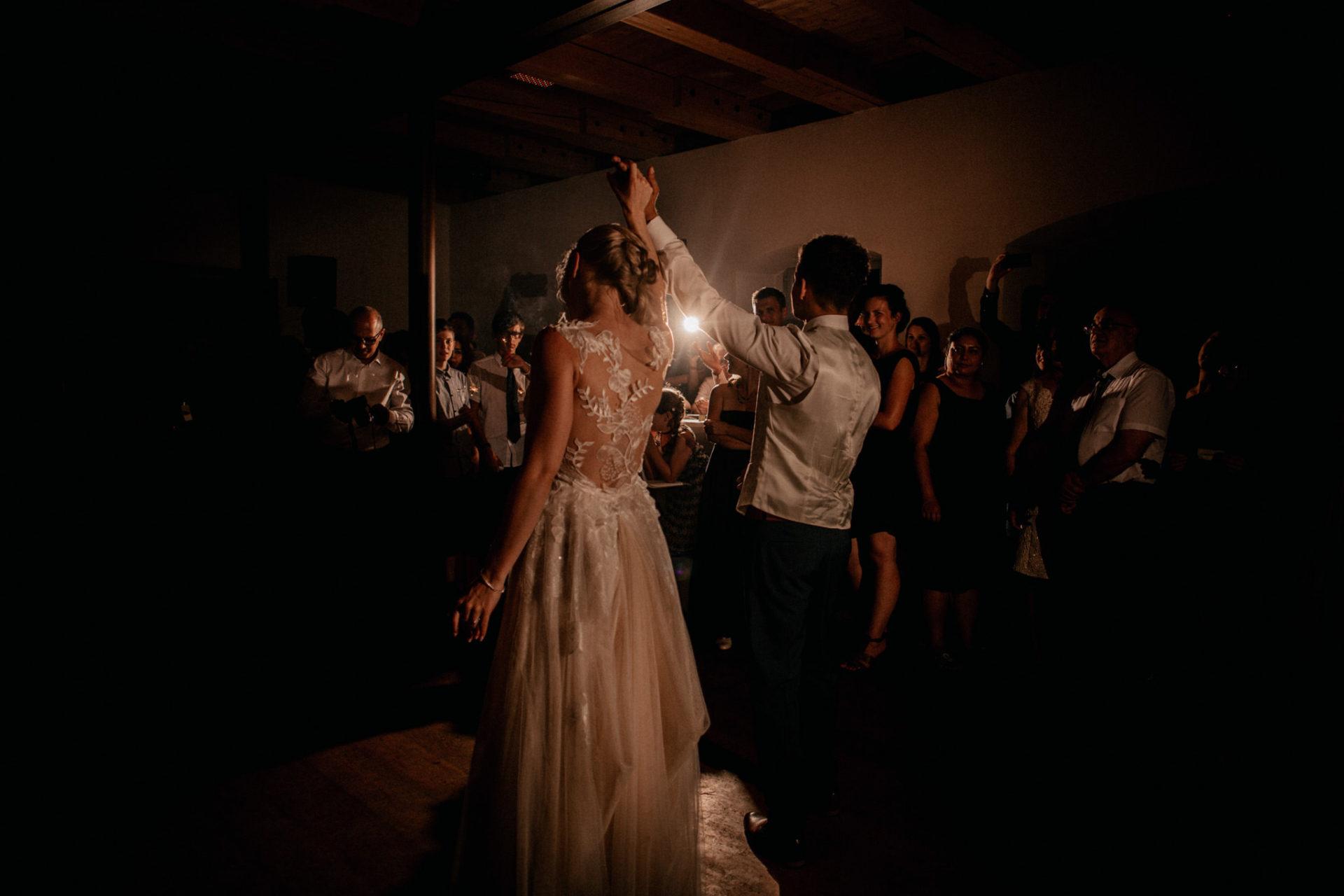 wedding photographer suttgart-reception water castle Erkenbrechtshausen Crailsheim-first look bride and groom-party-first dance