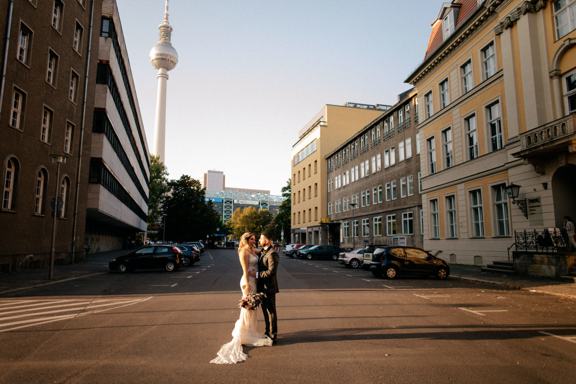 documentary wedding photographer berlin-destination wedding miami-glamourous wedding gatsby style-black tie dress code-cuban bride-german american wedding