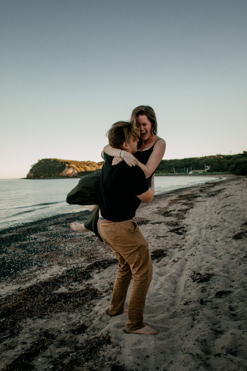 quirky wedding photographer melbourne-documentary artistic kreative wedding photographer mornington peninsula-engagement session flinders ocean beach-relaxed beach wedding