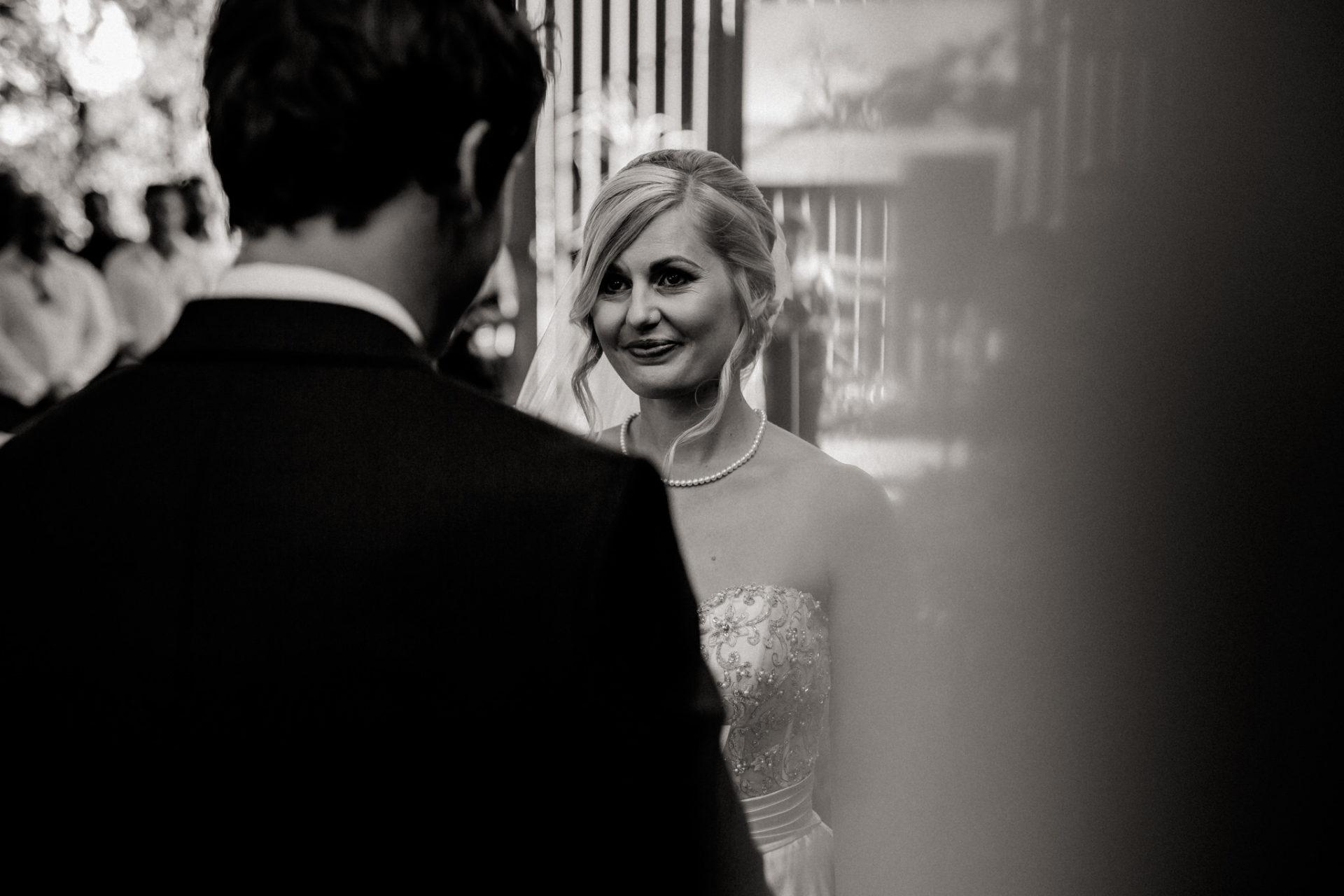 backyard-wedding-australia-melbourne-ceremony-first-look
