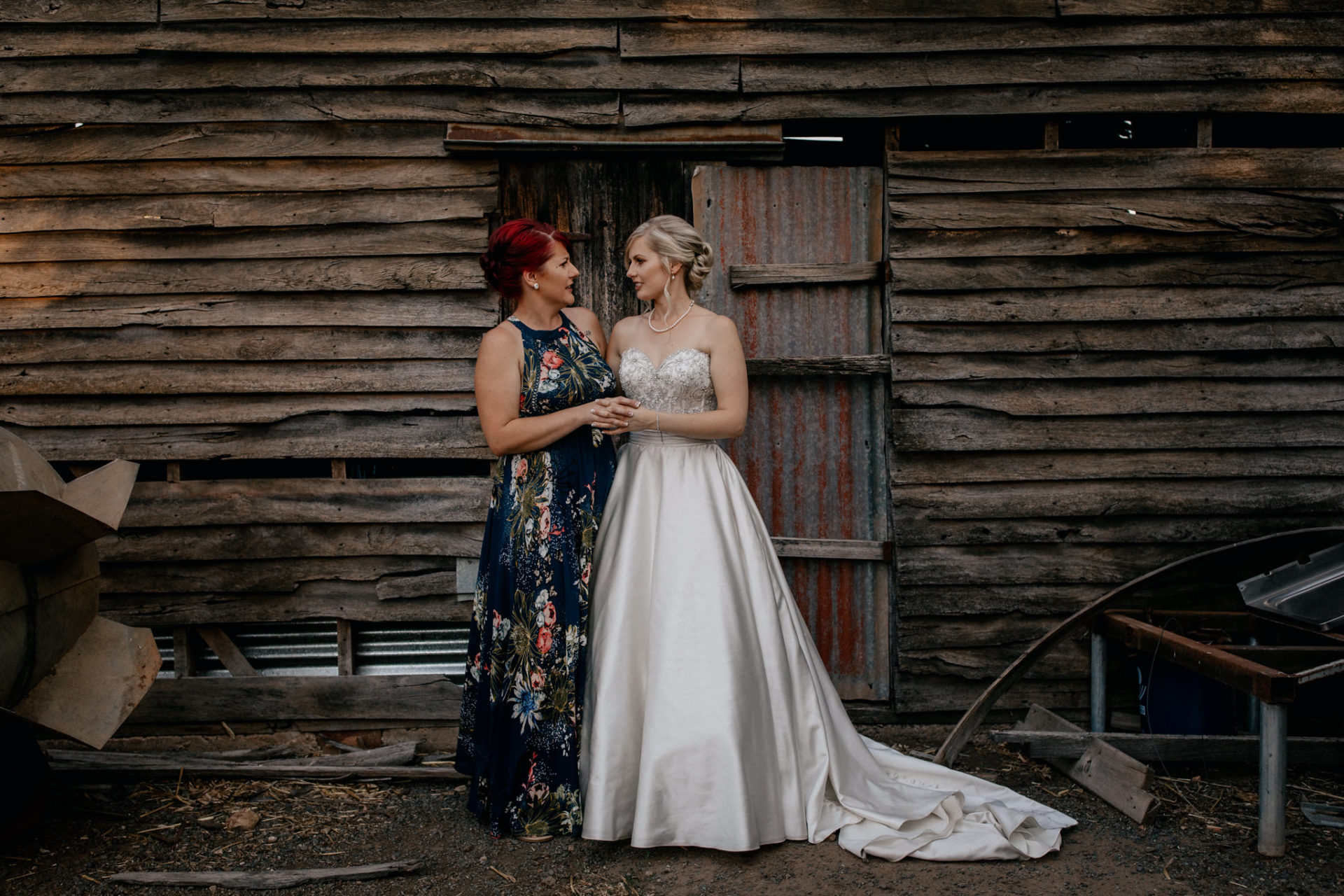 backyard-wedding-australia-melbourne-bride-bridesmaid-portrait-bridal-party