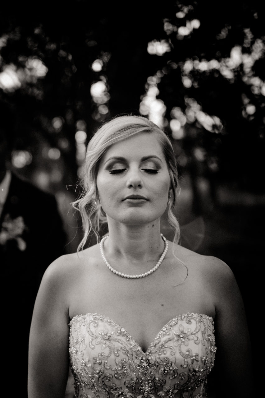 backyard-wedding-australia-melbourne-bride-portrait-creative-black-white