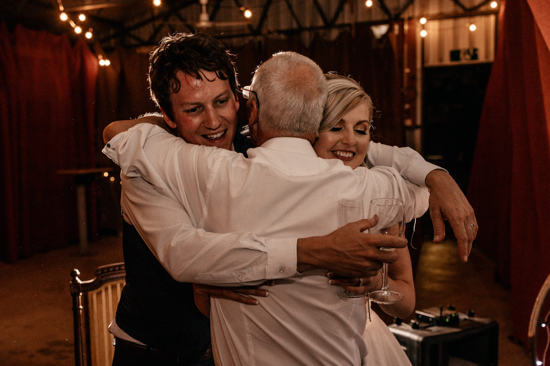 backyard-wedding-australia-melbourne-bride-groom-speeches-hug-father